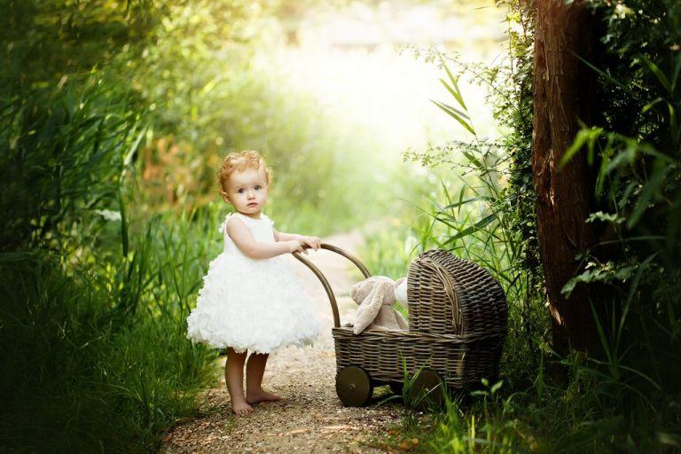 baby-fotoshoot-outdoor-baby-wagen